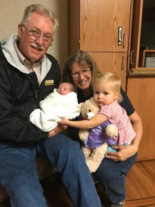 Jim and Eilene Minnix with Grandchildren